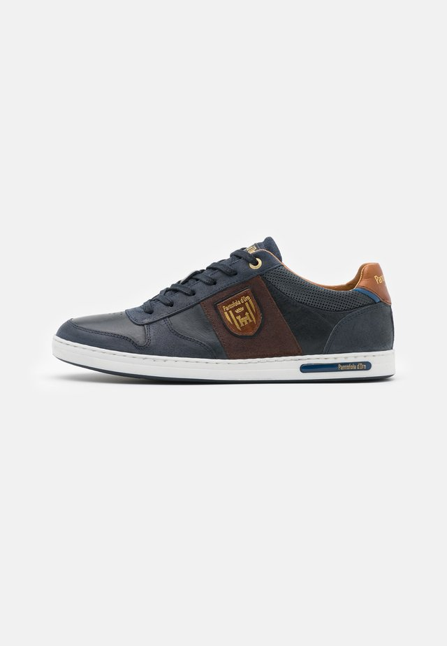 MILITO UOMO - Sneakers - dress blues