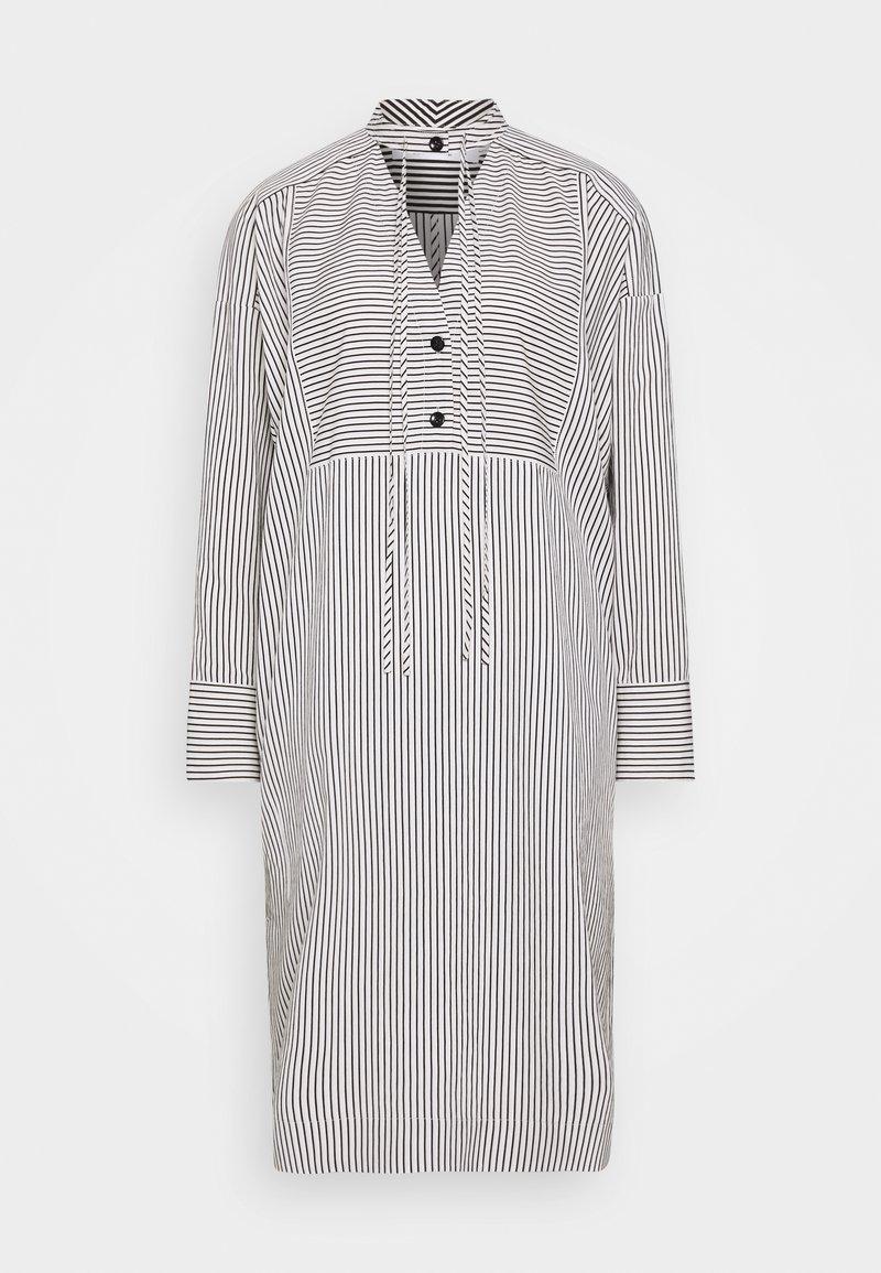 Proenza Schouler White Label - STRIPED PAJAMA CAFTAN - Denní šaty - optic white/cream/black