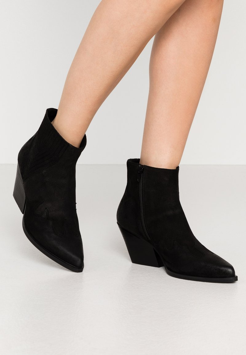 Steven New York - SIERPA - Ankle boots - black