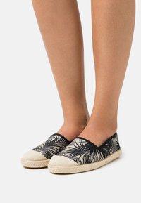 Grand Step Shoes - EVITA - Espadrilles - black - 0