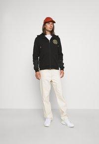 Glorious Gangsta - IRVAS HOODY - Zip-up sweatshirt - jet black - 1