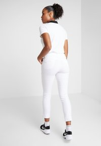 Daily Sports - MAGIC HIGH WATER - Pantaloni - white - 2