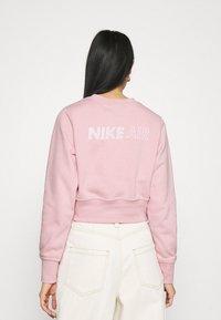 Nike Sportswear - AIR CREW  - Sweater - pink glaze/white - 2