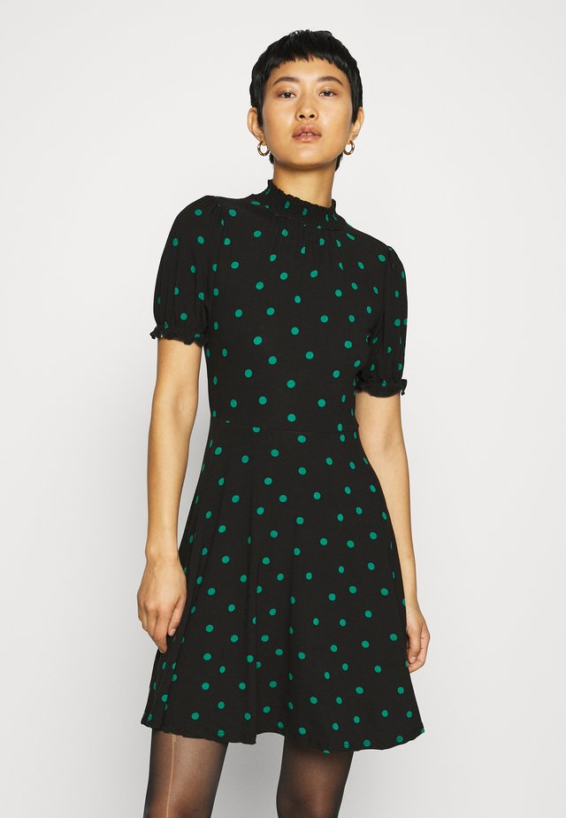 SHIRRED HIGH NECK FIT AND FLARE DRESS - Kjole - green