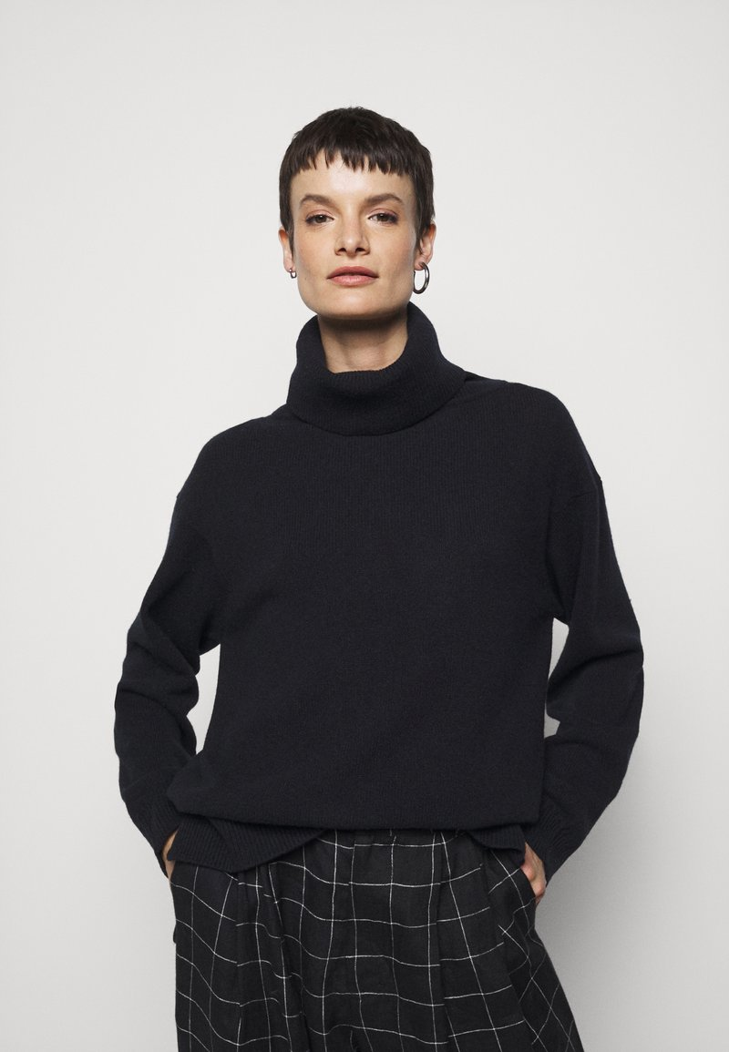 Filippa K - MOLLY ROLL NECK  - Trui - navy