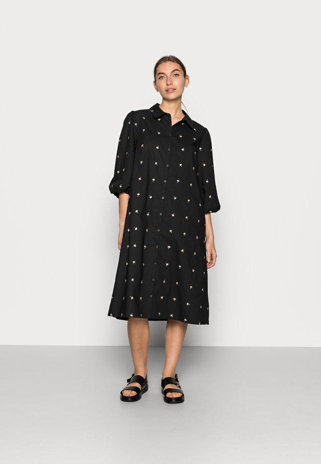 Robe d'été - black seeds