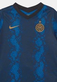 Nike Performance - INTER MAILAND H SET UNISEX - Klubové oblečení - blue spark/truly gold - 3