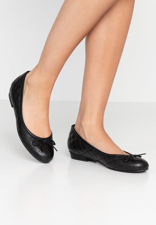 CARLA - Ballerinat - black