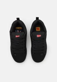 DC Shoes - BOBS COURT GRAFFIK UNISEX - Sneakers laag - black/red - 3
