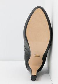 Buffalo - JONA - Kotníková obuv na vysokém podpatku - black - 6