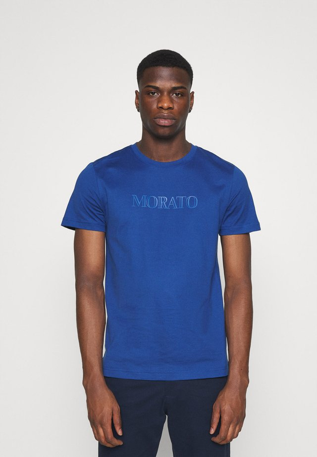 T-shirts med print - cobalto scuro