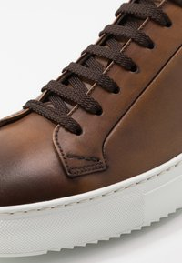 Doucal's - Trainers - brandy/bianco - 5