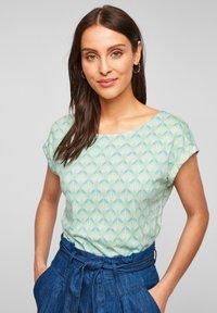s.Oliver - Print T-shirt - ocean green aop - 0