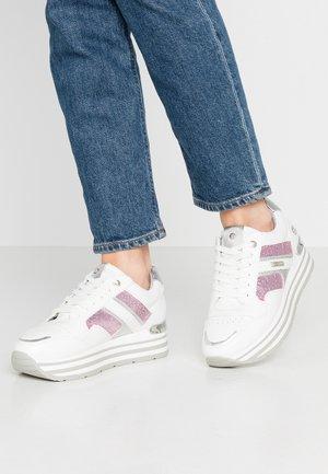 Sneakers basse - weiß/pink