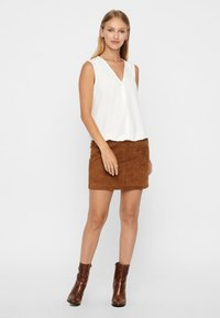 Vero Moda - VMDONNA DINA - Pencil skirt - cognac - 1
