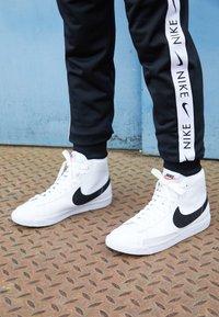 Nike Sportswear - BLAZER MID - High-top trainers - white/black - 4