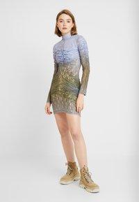 House of Holland - MUTED MINI DRESS - Shift dress - blue/khaki - 2