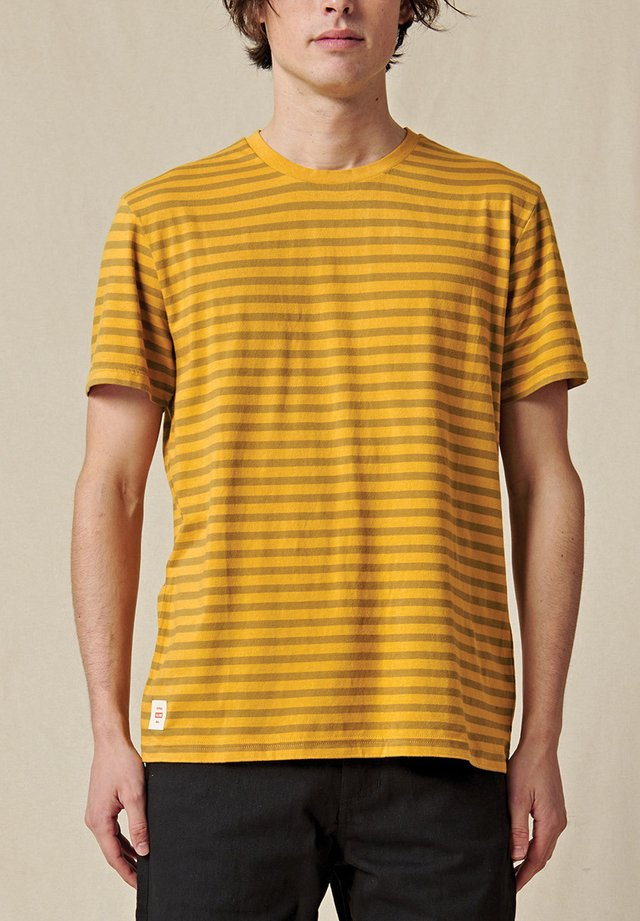 HORIZON - T-shirt imprimé - honey