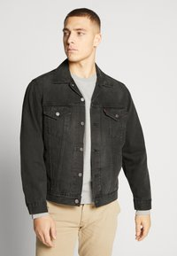 Levi's® - VINTAGE FIT TRUCKER UNISEX - Kurtka jeansowa - black - 0