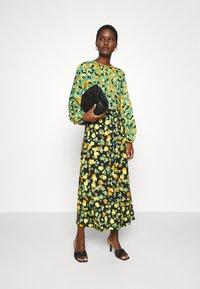 Closet - GATHERED NECK A LINE DRESS - Maxi dress - green - 1