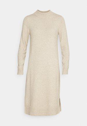 VIRIL CREW NECK MIDI - Strikket kjole - natural melange