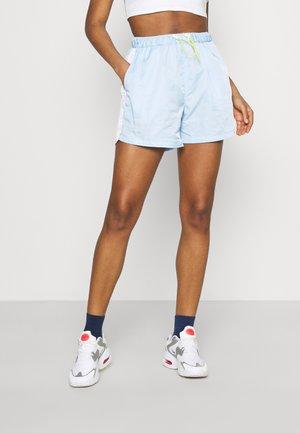 COLOURBLOCK WINDBREAKER - Shorts - blue