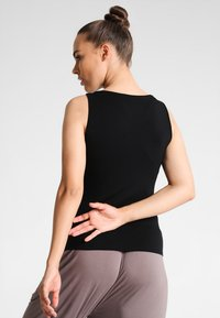 Curare Yogawear - TANK BOAT NECK - Top - black - 2