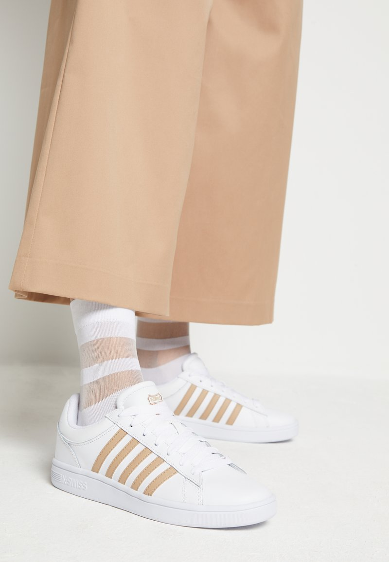 K-SWISS - COURT WINSTON - Trainers - white/nougat