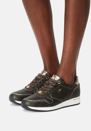 EKE - Sneakers laag - olive