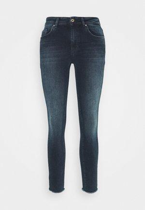 ONLBLUSH LIFE MID RAW - Jeans Skinny - blue black denim
