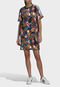 adidas Originals - DRESS - Vestito di maglina - multicolor - 0