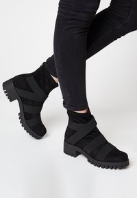 RISA - Classic ankle boots - schwarz - 0