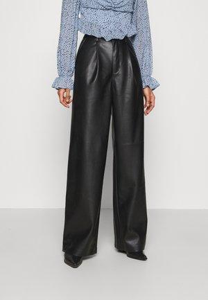 PLEAT DETAIL PANTS - Pantalon classique - black