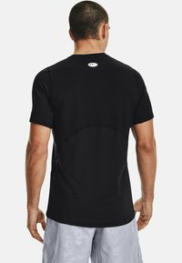 Under Armour - ARMOUR FITTED - Print T-shirt - black - 2