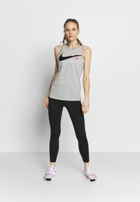 Nike Performance - DRY TOM TANK - Camiseta de deporte - grey heather - 1