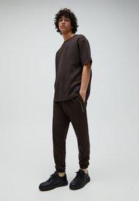 PULL&BEAR - T-shirt - bas - mottled brown - 1