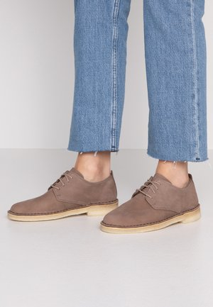 DESERT LONDON - Chaussures à lacets - mushroom