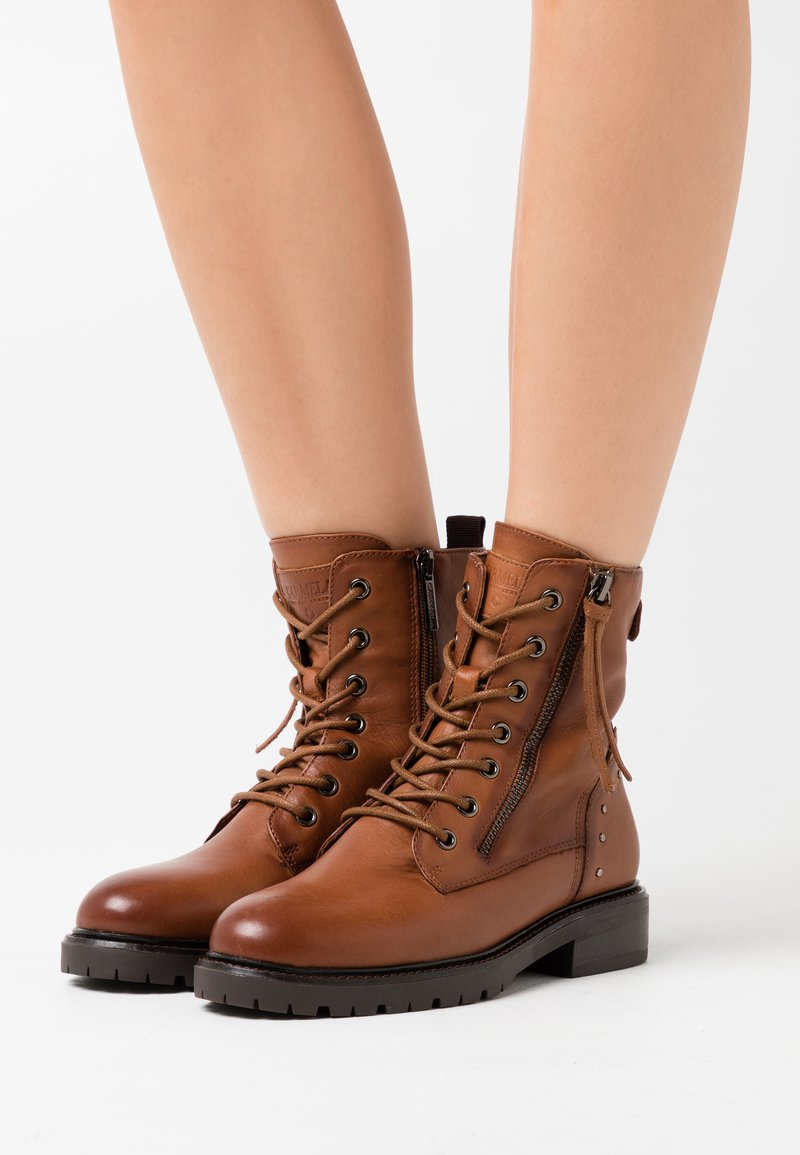 Carmela - LADIES  - Cowboy/biker ankle boot - camel