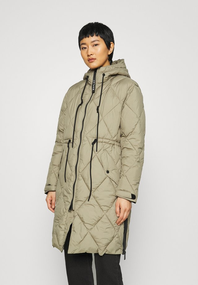 OUTERWEAR - Abrigo de invierno - light military