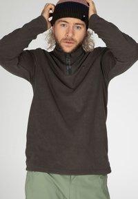Protest - PERFECTO  - Fleece jumper - swamped - 4