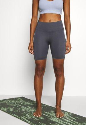 ELITE BIKE SHORT - Leggings - pewter grey