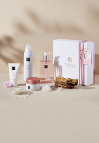 Rituals - THE RITUAL OF SAKURA - RENEWING RITUAL 2019 GESCHENKSET MEDIUM - Bath and body set - - - 0
