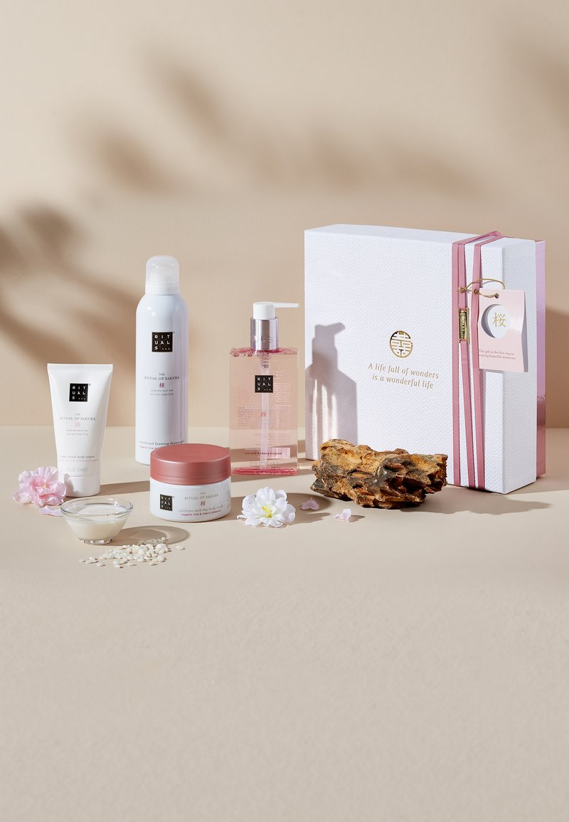 Rituals - THE RITUAL OF SAKURA - RENEWING RITUAL 2019 GESCHENKSET MEDIUM - Bath and body set - -