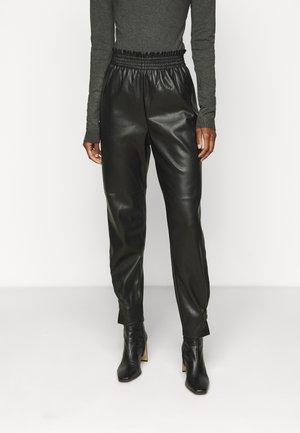 ONLDAVINA PANT - Stoffhose - black