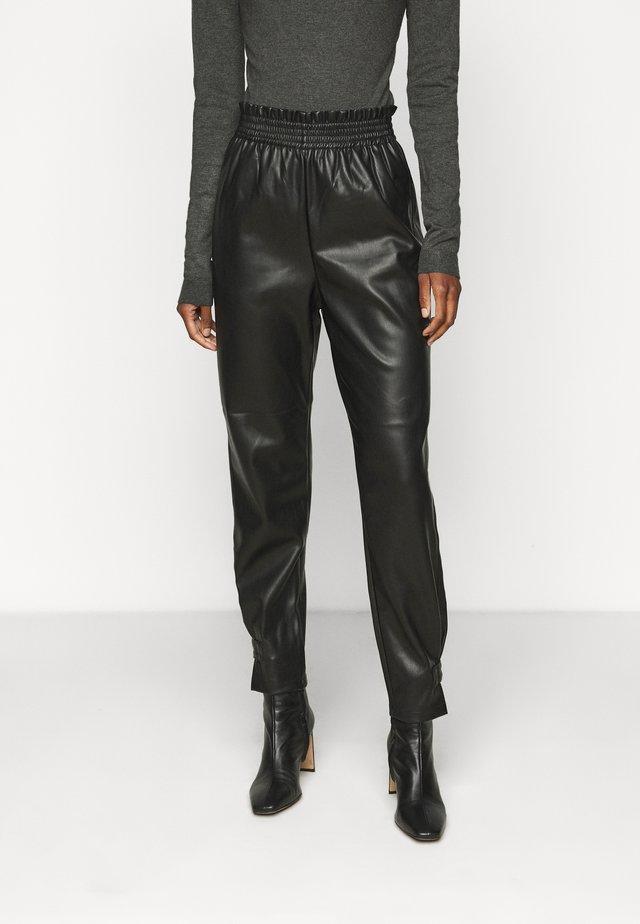 ONLDAVINA PANT - Pantaloni - black