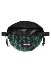 Eastpak - SPRINGER - Bum bag - green/dark green - 2