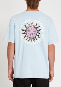 Volcom - OZZY WRONG S/S TEE - Print T-shirt - aether_blue - 1