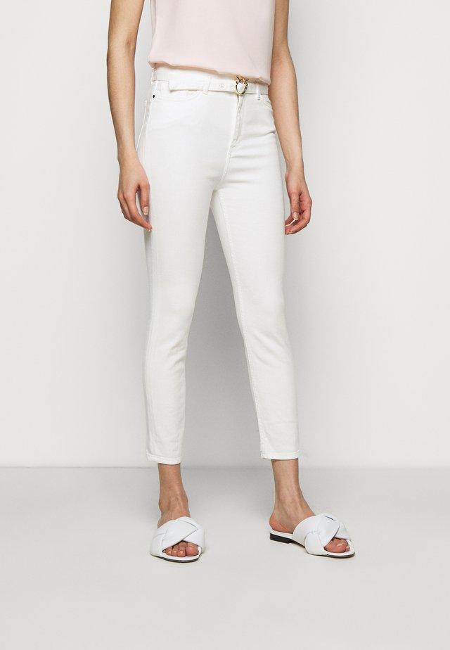 SUSAN BULL COMFORT - Jeans Skinny Fit - white denim