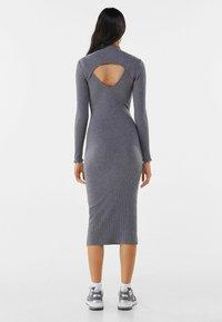 Bershka - Pouzdrové šaty - light grey - 2