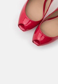 Guess - Peeptoes - strawberry - 5